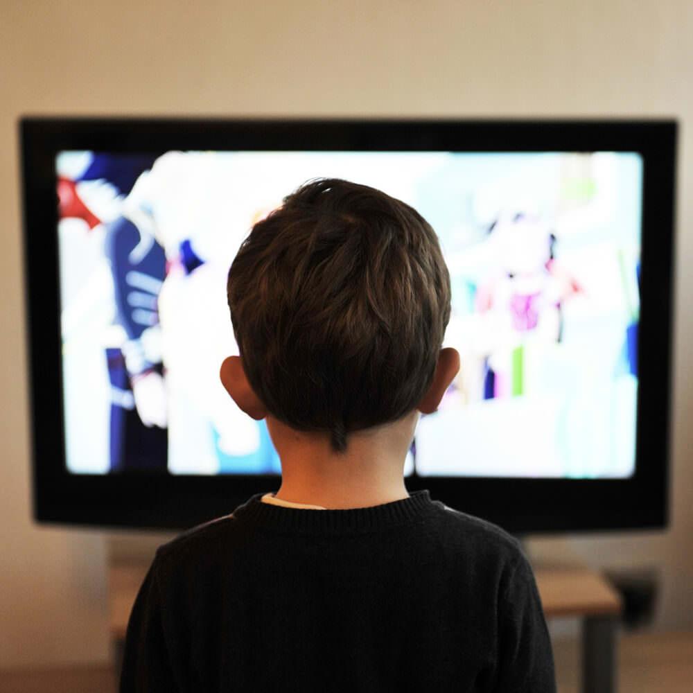 Kinder_ab-wann-und-wieviel-fernsehen